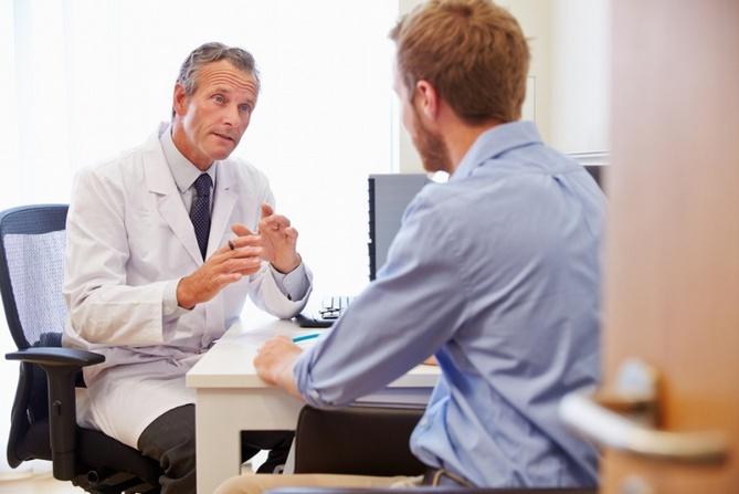 Пациент на консультации уролога