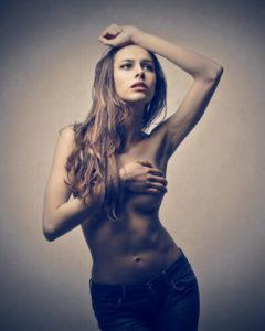 Причины возникновения кисты молочной железы