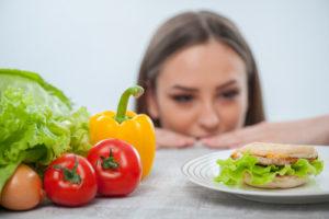 причина гастрита - неправильное питание