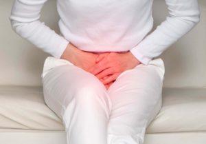 Какие симптомы сопровождают недержание мочи у женщин