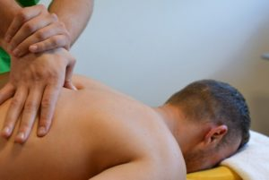 Когда необходим лечебный массаж